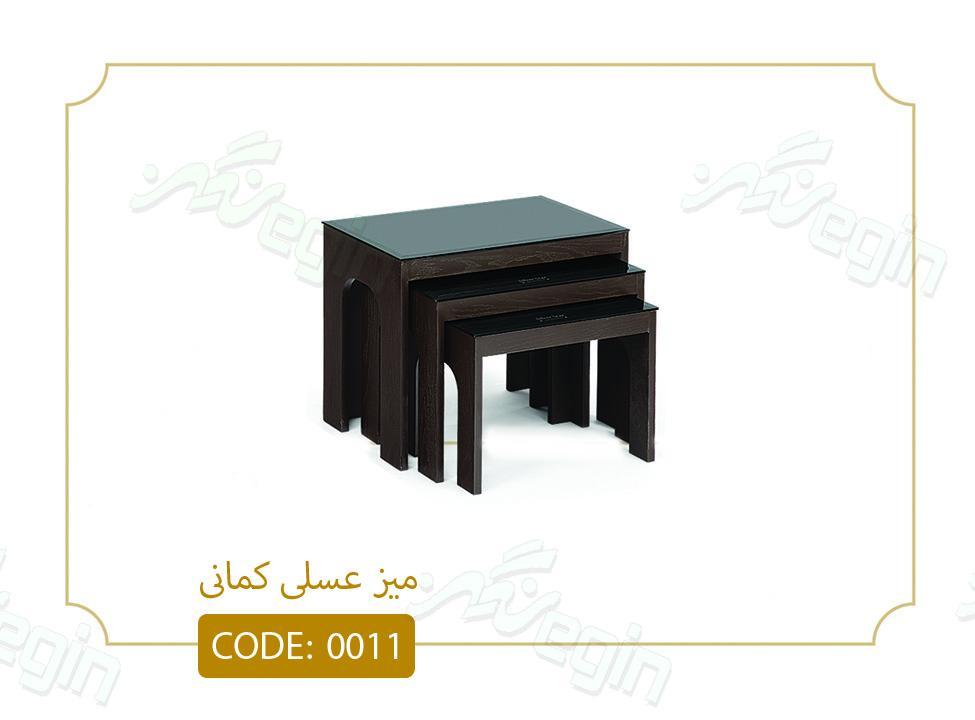 میز عسلی کمانی کد 0011 صفحه شیشه سکوریت بدنه MDF رنگی